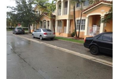 Great Townhouse for rent in Bluewaters...