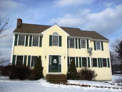 3 Bed 2.5 Bath Foreclosure Property in Sterling, MA 01564 - Clinton Rd