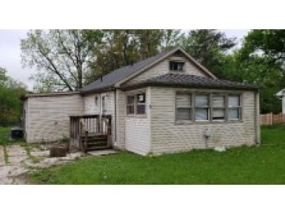 1 Bed 1 Bath Foreclosure Property in Barrington, IL 60010 - Oak St