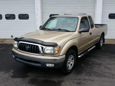 2002 Toyota Tacoma Base (Mystic Gold Metallic)