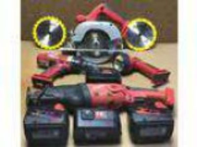 Milwaukee cordless tool kit (Forest Hill)