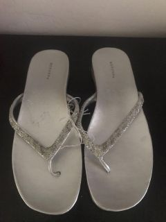 New Cute Silver Womens Size 11 Sandals $7.00