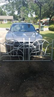Metal white day bed
