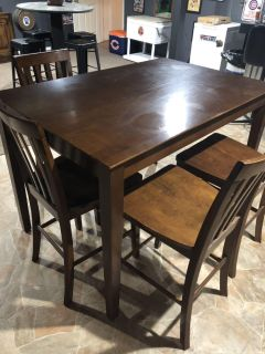 High top table with insert