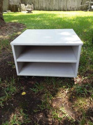 White end table on wheels