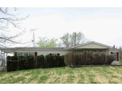 3 Bed 2 Bath Foreclosure Property in Springfield, OH 45502 - Ballentine Pike