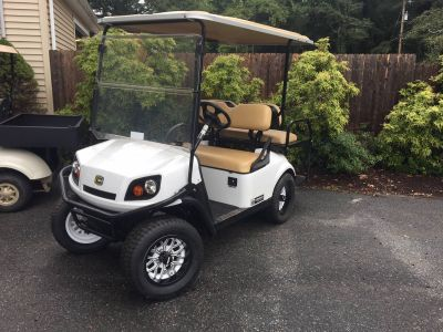 2018 Cushman 2+2 Shuttle Gas Golf Golf Carts Exeter, RI