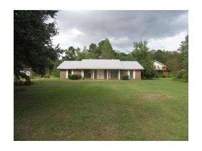 3 Bed 2.1 Bath Foreclosure Property in Elmore, AL 36025 - Friendly Pine Rd