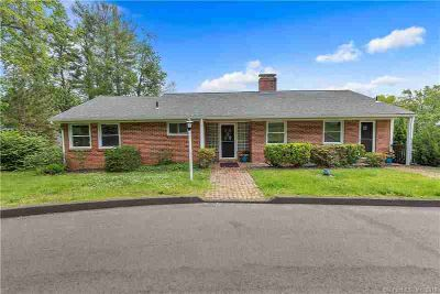 236 Kings Highway NORTH HAVEN Three BR, One Level Living At