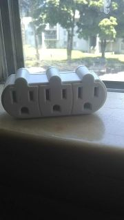 3 to 1 Outlet Converter