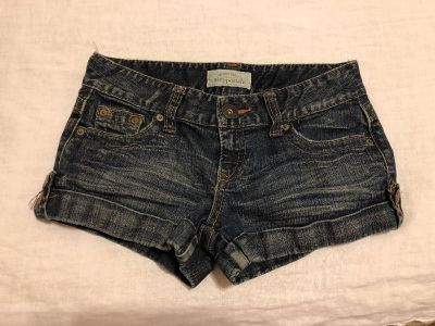 Aeropostale Low Rise Stretchy. Size 1/2. Cotton/Spandex. Photo of Back Attached EUC