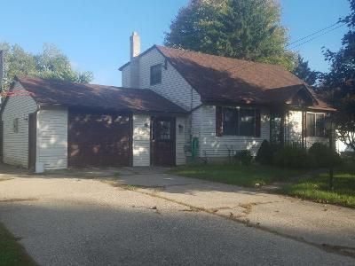5 Bed 2.0 Bath Preforeclosure Property in Alden, NY 14004 - Meadow Dr