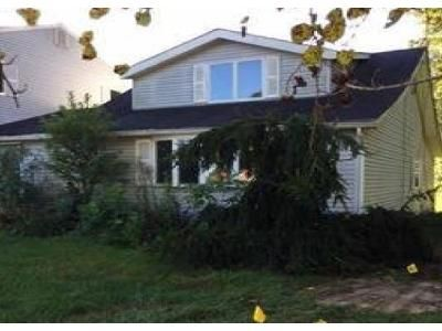 5 Bed 3.5 Bath Foreclosure Property in Hammonton, NJ 08037 - Elwood Rd