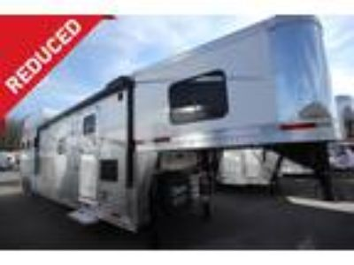 2018 Lakota Trailers BIGHORN 3 HORSE SLANT LOAD W/13FT LIVING QUARTER H 3 horses