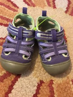 Toddler girls size 5 shoes, porch pickup only