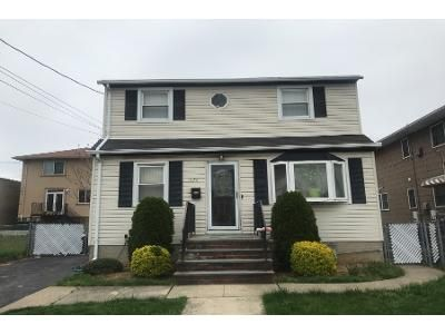 3 Bath Preforeclosure Property in Elmont, NY 11003 - Oakley Ave