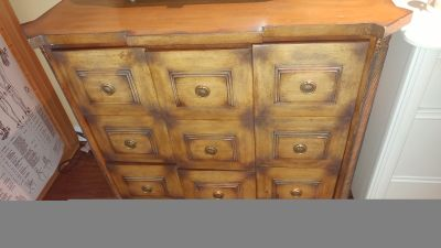 Beautiful Ornate Antique Dresser/ Console