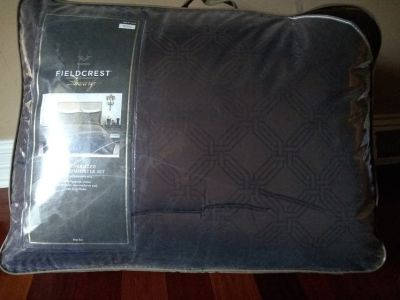 King oversized comforter set, brand new