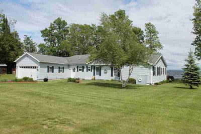 4 Cooper Drive PLATTSBURGH Two BR, Lakefront single level ranch