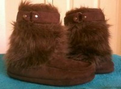 Ladies Moccasin Boots