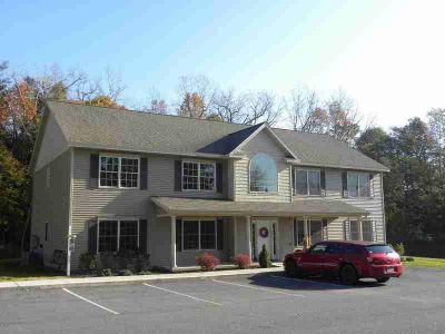 22 Mercer St Waterford, Beautiful! Two BR ~ 4 unit