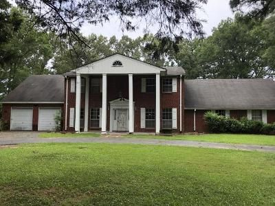 4 Bed 2 Bath Foreclosure Property in Terry, MS 39170 - S Springlake Cir