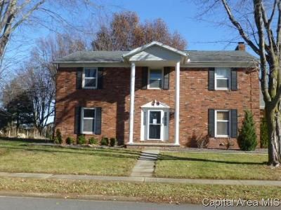 4 Bed 3 Bath Foreclosure Property in Sherman, IL 62684 - Landsdowne