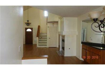 3 bedrooms House - If you are looking for a desirable single family home. Washer/Dryer Hookups!