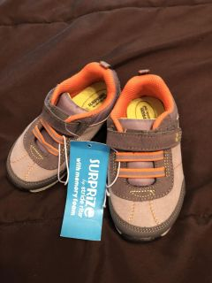 Surprise for stride rite brand new with tags size 7 toddler boys