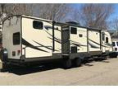 2014 CrossRoads RV Sunset-Trail-Reserve Travel Trailer in Apple Valley, MN