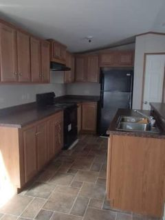 10140 10140 10140 2014 SALE- Mobile Home For Your Family