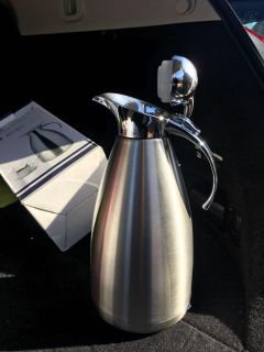 Stainless steel karafe insulated