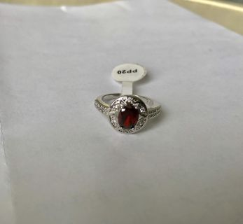 Jewelscent ring size 7