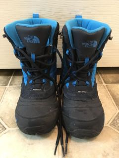 North Face Kids Snow Boots (Youth 2)