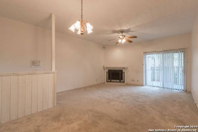 12446 Starcrest Dr San Antonio Two BR, Fantastic and rare 1st