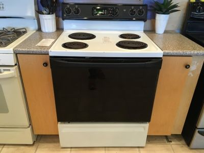 GE Black & White Range Stove Oven - USED