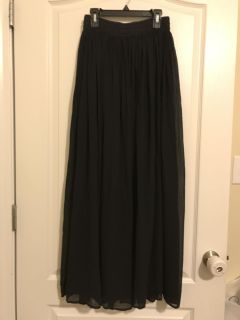 NWT Size small boutique black flowy skirt
