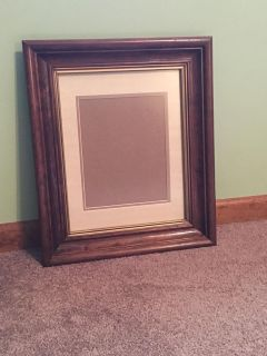 Large frame for 8 x 10 or 11 x 14 picture
