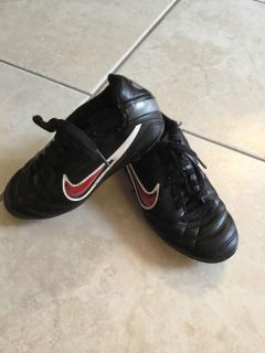 Nike soccer cleats, size 12youth