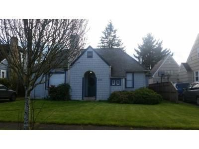 2 Bed 1 Bath Preforeclosure Property in Longview, WA 98632 - Fir St
