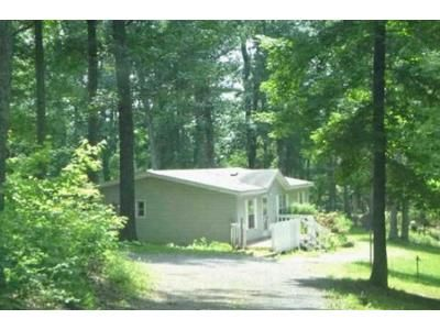 3 Bed 2 Bath Foreclosure Property in Hedgesville, WV 25427 - Mike Ashton Rd