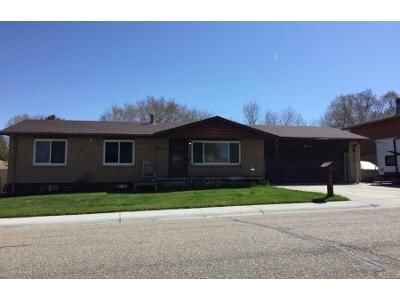 3 Bed 2 Bath Preforeclosure Property in Rock Springs, WY 82901 - Agate St