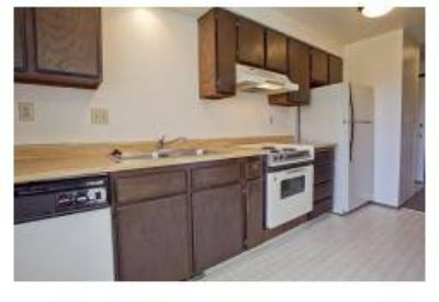 2 Beds - College Green Townhomes