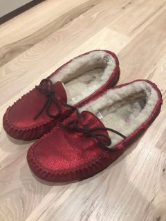 UGG House Slippers GUC size 9 $15