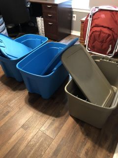 30 gal totes with lids