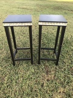 Set of 2 black and diamond end tables
