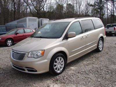 2013 Chrysler Town & Country Touri