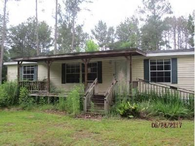 3 Bed 2 Bath Foreclosure Property in Braxton, MS 39044 - French Rd