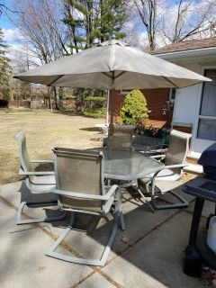Still Available!! 7 Piece Patio Set - Just in time for the warmer weather!