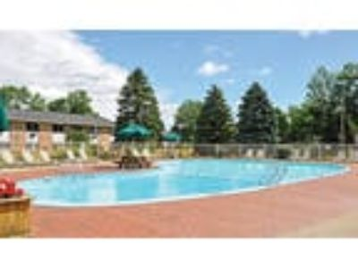 Glenbrook Manor Apartments - Studio, One BA 410 sq. ft.